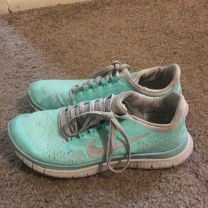 Size 8 Teal Nike Shoes